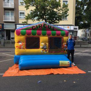 Opblaasbare ballenbak, wijkfeest Den Haag